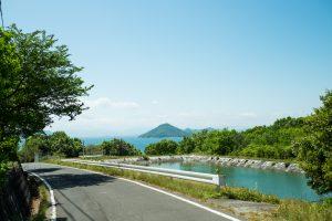 豊島から望む男木島