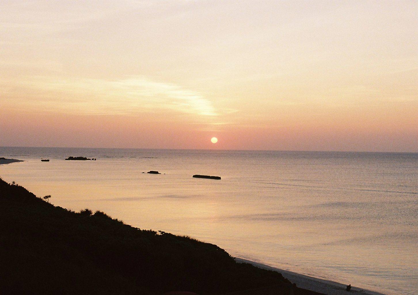 ニシ浜の夕日