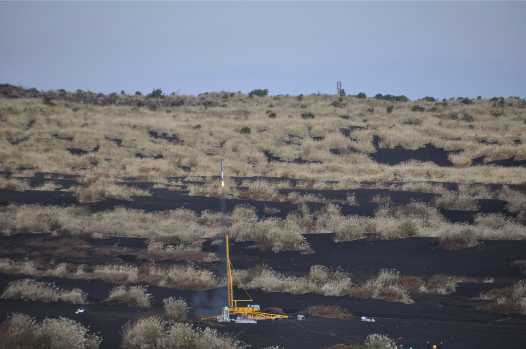発射台から打上がるロケット!最大2000mほどまで上昇します!