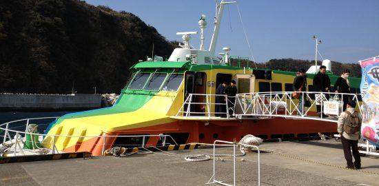 鈴木撮影のセブンアイランド虹。甲板らしきものはない…。