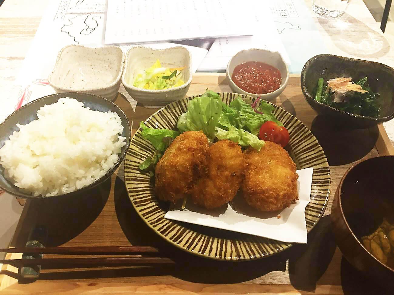 ヨットマンの伊勢海老のコロッケ定食