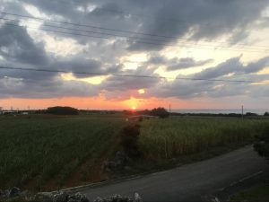 コート盛から望む夕日